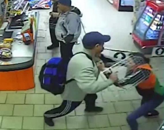 Видео продавщицы-дзюдоистки, задержавшей вора, попало вСеть